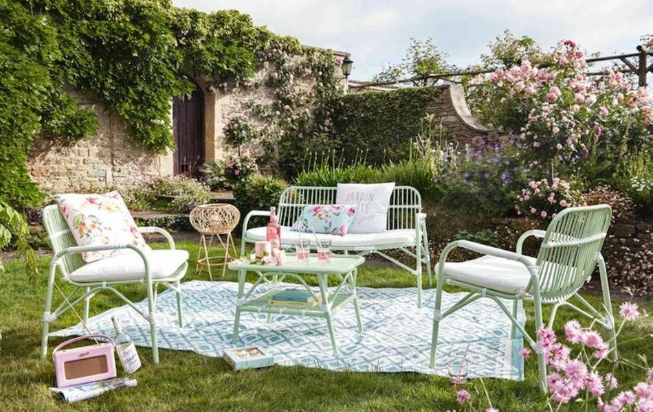 comment d corer sa terrasse nos id es pour 2017 villas. Black Bedroom Furniture Sets. Home Design Ideas